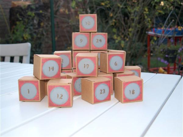 Adventskalender aus Pappschächtelchen