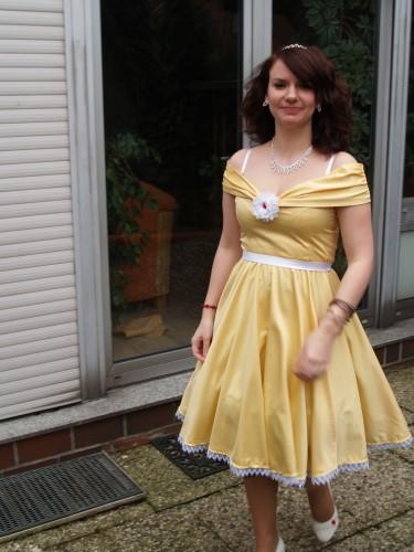 Karnevalskleid - Die Schöne und das Biest | Bastelfrau