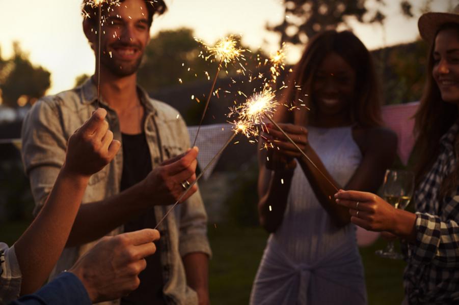 Frohes Neues Jahr in verschiedenen Sprachen | Bastelfrau