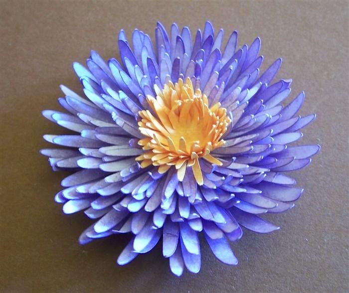 Chrysantheme aus Druckerpapier basteln