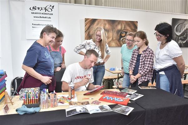Auf der infa kreativ bieten zahlreiche Aussteller spannende Workshops in Sachen DIY an. Foto: Fachausstellungen Heckmann