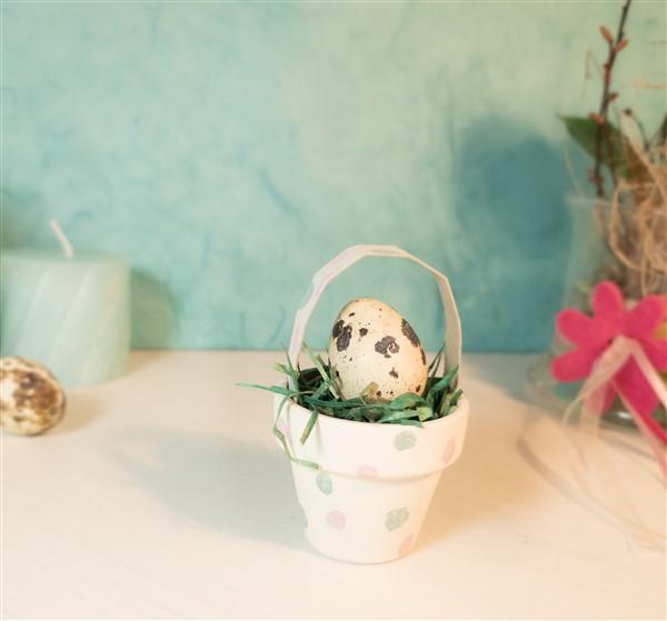 DIY Mini-Osternest aus Tontöpfen