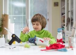 Heißklebearbeiten mit Kindern: Darauf musst du achten