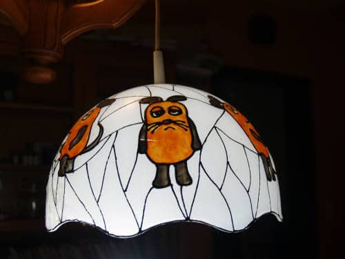 Lampenschirm mit Window Color gestaltet