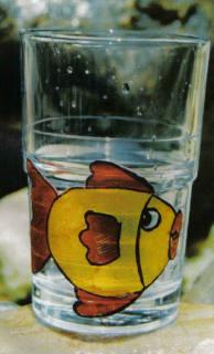 Glas mit Window Color Fisch