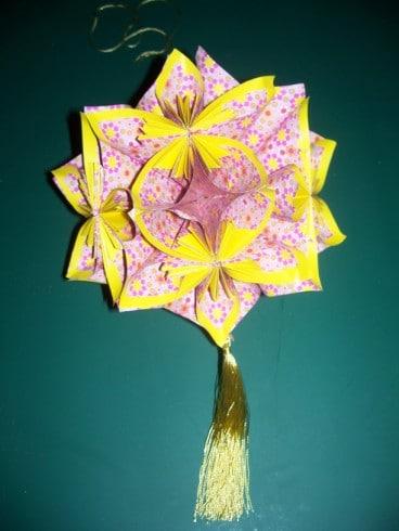Blütenkugel aus Papier