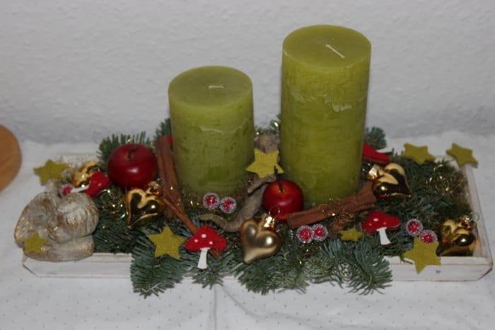 Aus 1 mach 2 - Ein weihnachtliches Gesteck in zwei verschiedenen Variationen