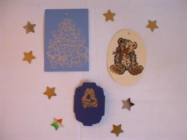 Kartengrüße und Geschenkanhänger mit Plusterfarben