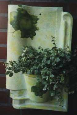 Dachziegel mit Blumentopf
