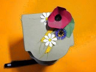 Kornblumen und Ähren aus Tonpapier