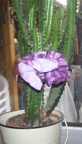Blume aus finnischer Papierschnur