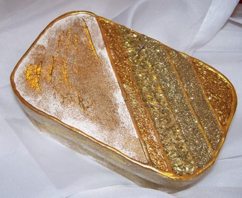 Goldene Dose im Shabby Chic Stil