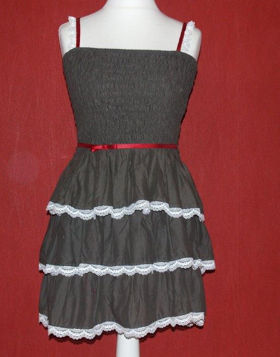 Kleid mit Spitze pimpen