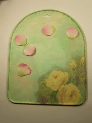 Magnetwand mit Rosenblättern