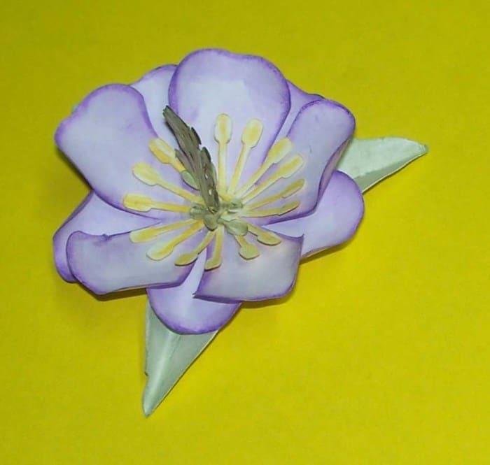 Magnolie aus Druckerpapier basteln