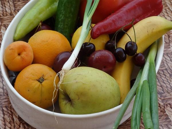 Reste-Essen mit Obst und Gemüse