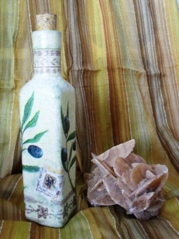 Olivenölflasche - Olivenzweig