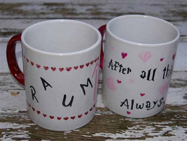 Zauberhafte Valentinstagsgrüße auf der Tasse