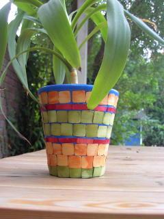 Mosaik-Blumentopf mit Petys