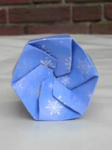Sechseckige Geschenkeschachtel mit Bastelvorlage