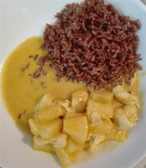 Roter Reis mit Curry
