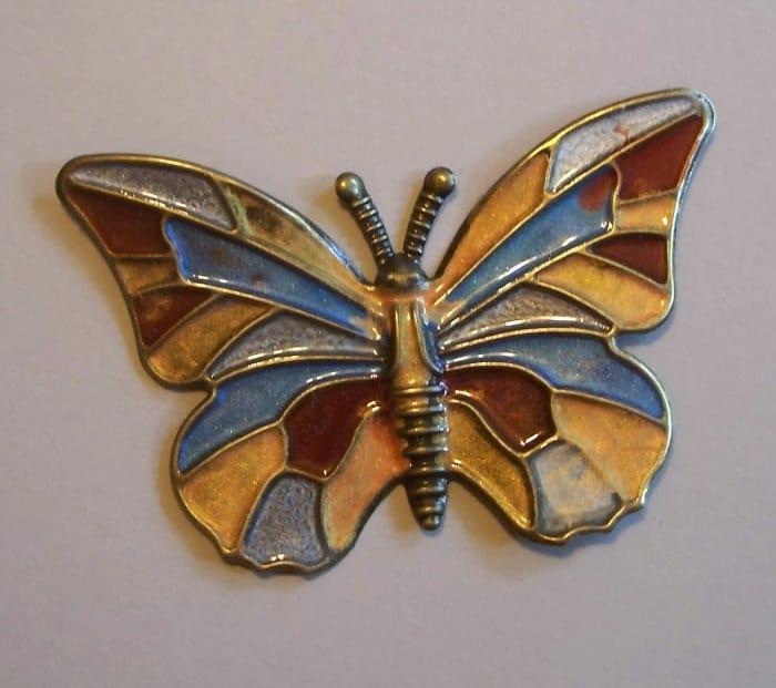 Schmetterling aus Metall mit Pebeofarben