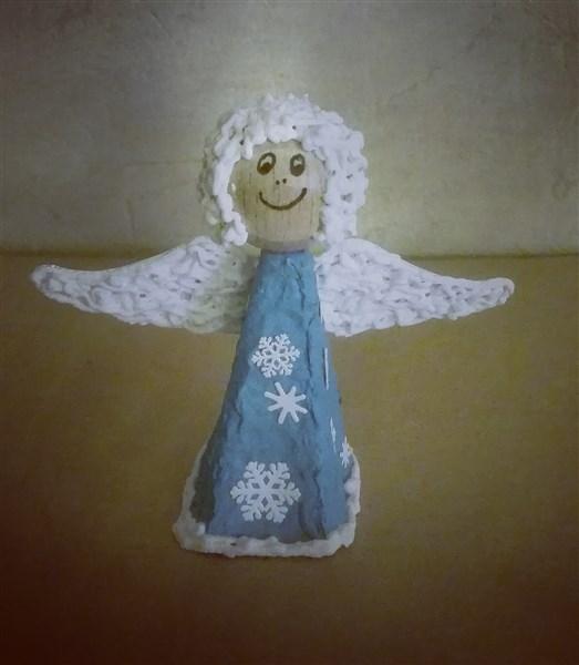 Fingerpuppe Schnee-Engel aus Eierkarton