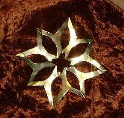 Einfacher Stern aus Goldpapier