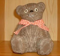 Pappmaché Teddy in Drybrushtechnik bemalt