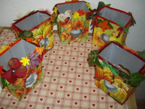 Herbstliche Tischlaternen aus Tetrapaks