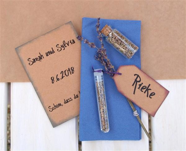 DIY Hochzeitsdeko - Gastgeschenk mit Tischkarte und Minibook