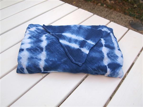 Furoshiki - Geschenke in Stoff verpacken