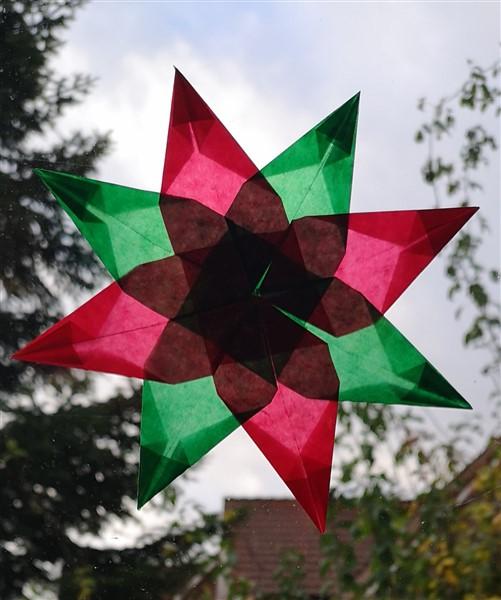 Origamistern mit 8 Zacken aus Transparentpapier