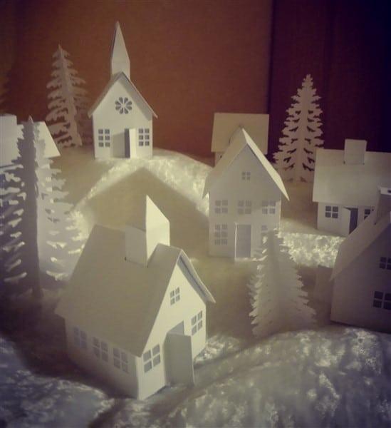 Weihnachtsdorf aus Papier