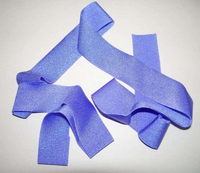 Schmuck basteln mit dehnbaren Stoffbändern