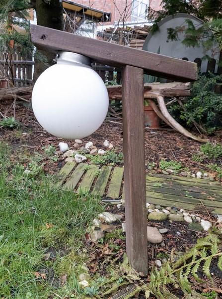DIY Holzleuchte mit Solarlampe