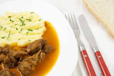Zwiebelfleisch mit Butter aus dem Crockpot