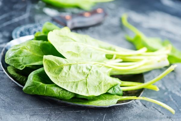 Spinat als Herbstgemüse