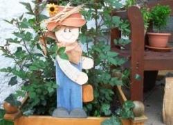 Gärtnerfigur aus Holz