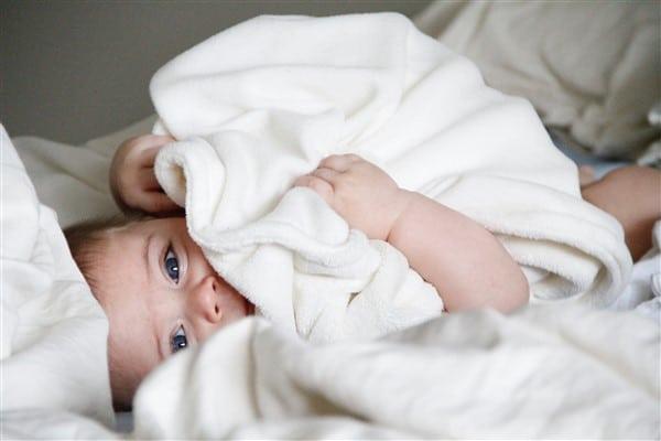Vier Dinge die Eltern für ein Baby immer im Haus haben sollten