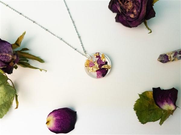 DIY Schmuck: Blütenschmuck aus Epoxid-Harz