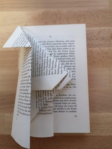 Vogelhaus aus Buch falten