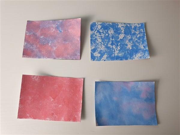 Hintergrundpapier mit Krepppapier einfärben