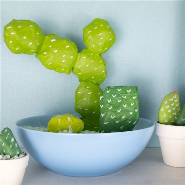 DIY Deko: Pappmaché-Kaktus basteln