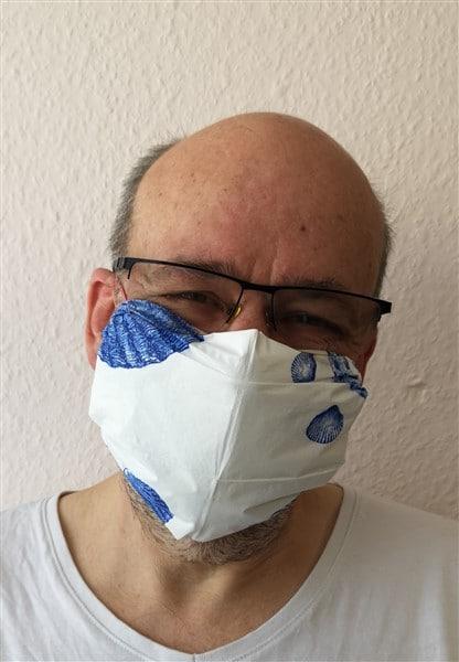 Mundschutzmaske aus Servietten, Papiertüchern oder Baumwolltüchern