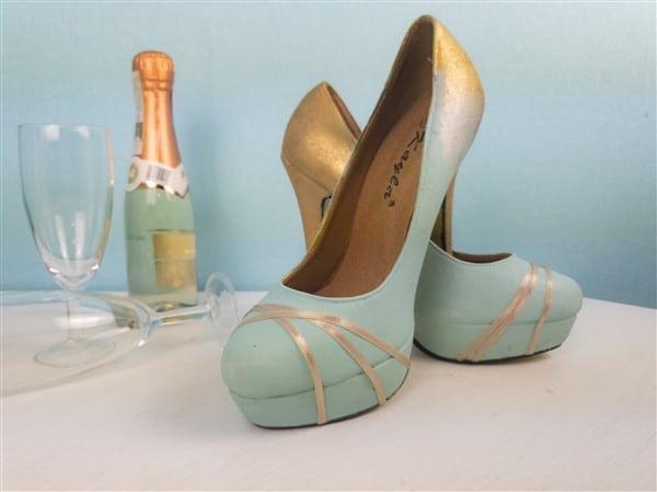 High Heels DIY in Gold und Pastellblau