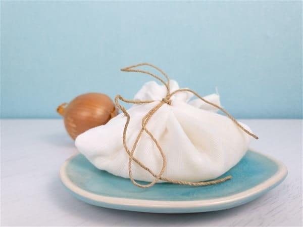Wundermittel gegen Ohrenschmerzen: So machst du dir ein Zwiebelsäckchen?