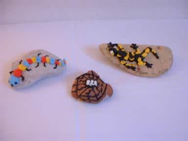 Smilies, Marienkäfer, Krabbeltiere und Gespenster aus Plusterfarbe