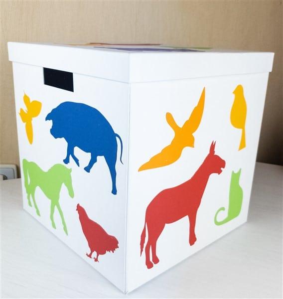 Ikea-Hacks: Aufbewahrungsbox für Kinderspielzeug als nachhaltige Geschenkverpackung