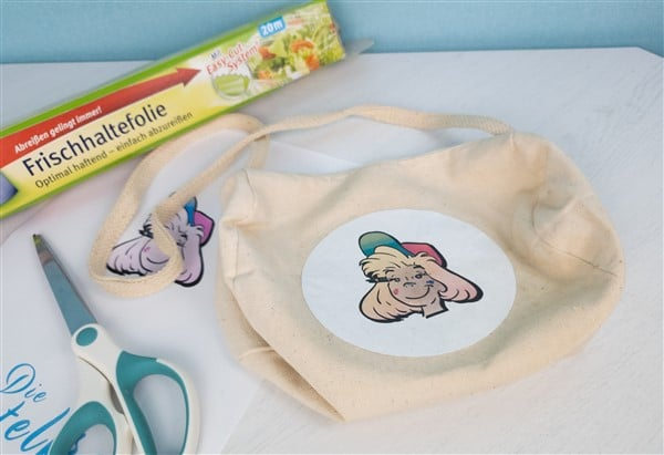 Merchandise-Produkte selber machen: Bügelbilder mit Frischhaltefolie